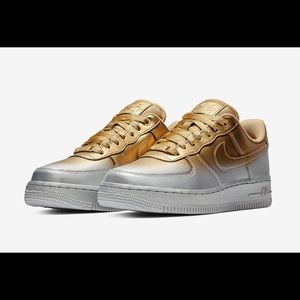 NIKE AIR FORCE 1 '07 LUX METALLIC GOLD SILVER NEW
